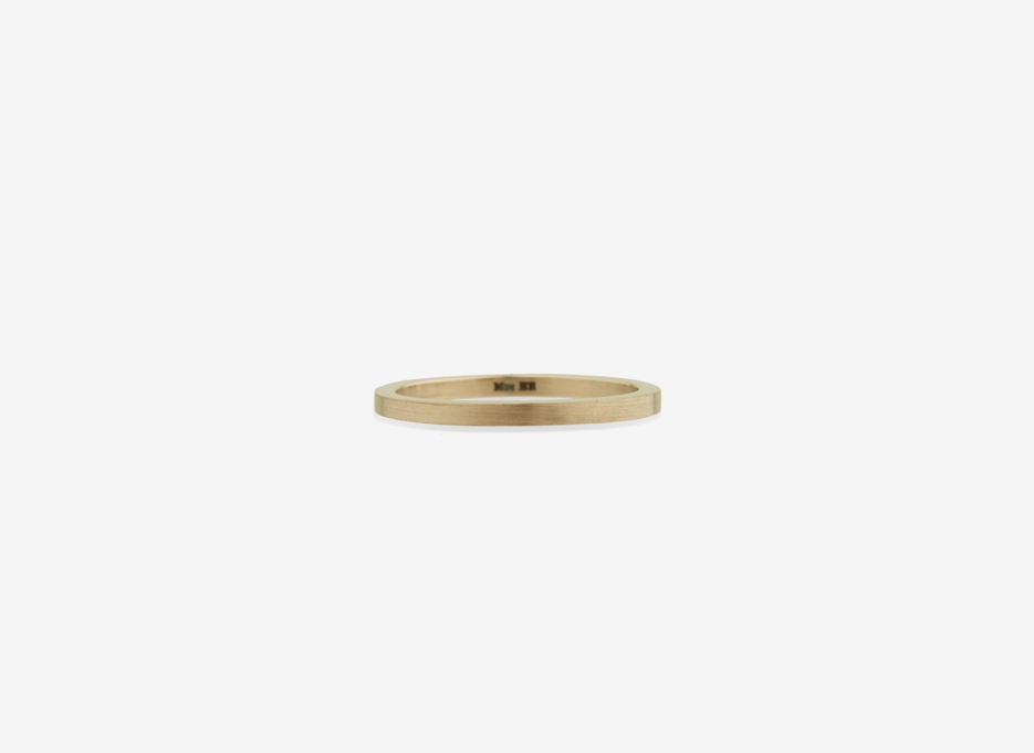 Isherwood Slim Band in Gold, 1.5mm